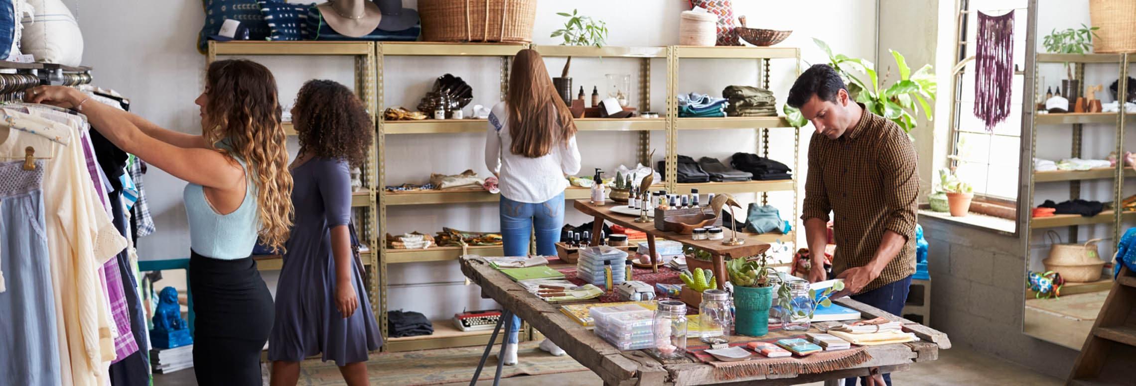 Spullen kopen in winkel