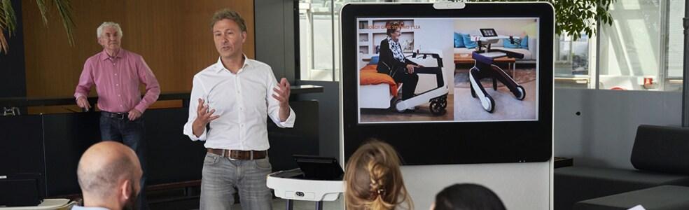 Mensen geeft een presentatie